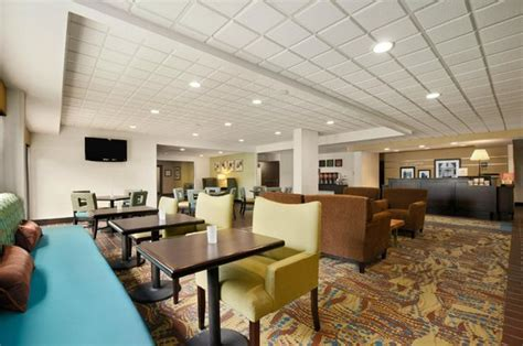 Hotel In Cadillac Mi by Hton Inn Cadillac 87 9 6 Updated 2018 Prices