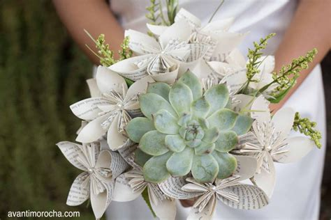 diy wedding bouquet with paper flowers and succulent avanti morocha