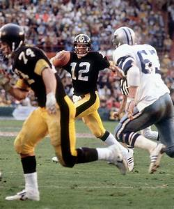 Comparing The Stats Of Terry Bradshaw And Kurt Warner