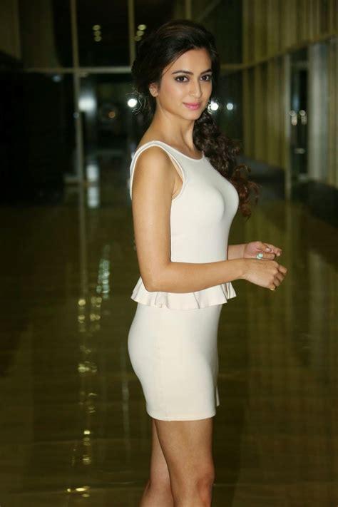 actress kasthuri net worth kriti kharbanda hot look in bikini images hd pictures
