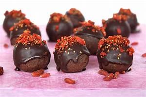 10 Raw Vegan Valentine's Day Recipes - Sweetly RawSweetly Raw