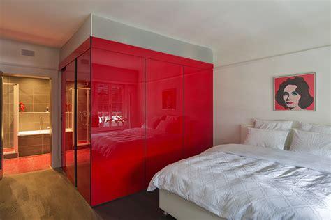 Acrylglas Mit Intelligenter Sonnenschutzfunktion by Kubus Als Ankleide Mit Einer Schiebet 252 Re Als Eingang In