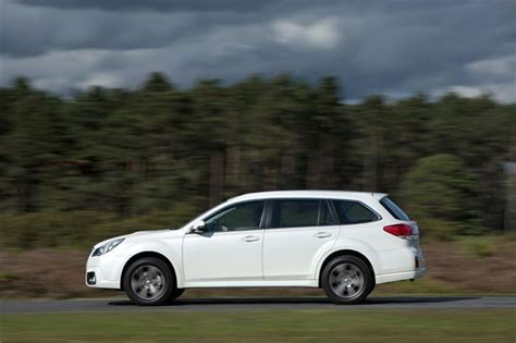 Subaru Outback Road Test by Subaru Outback 2 0d Lineartronic 2013 Road Test Road