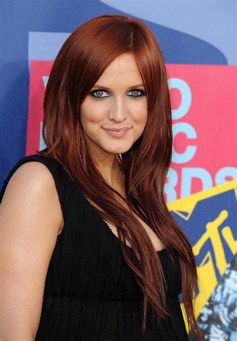 Modu00e8le couleur cheveux auburn