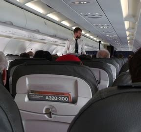 cosa fa un assistente alla poltrona cosa fa un assistente di volo