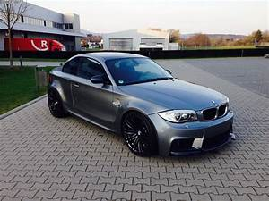 Bmw Serie 1 M : bmw 118d coupe turned into 1m replica with m5 39 s v10 ~ Gottalentnigeria.com Avis de Voitures
