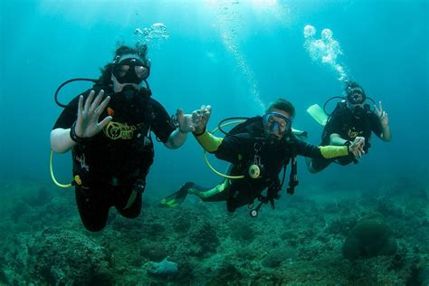 padi discover scuba diver on koh phi phi with the