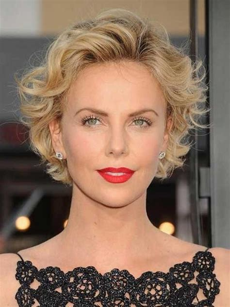 2019 popular short haircuts for round faces and curly hair