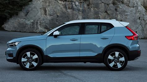 orders   volvo xc surpasses  units globally