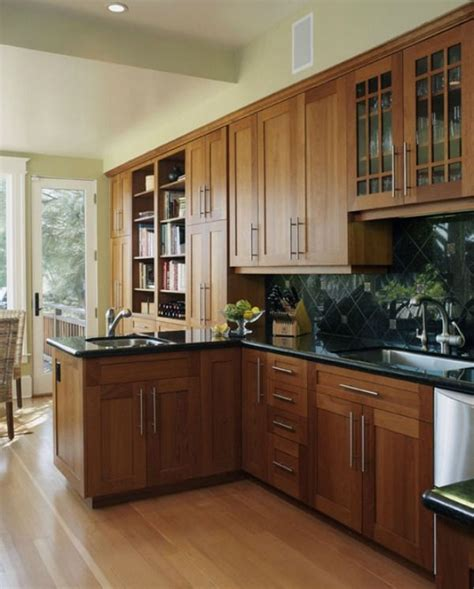 kitchen color ideas with wood cabinets 25 best ideas about cherry wood cabinets on 9198