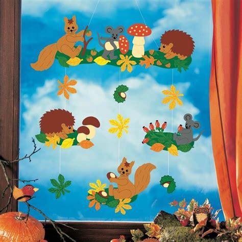 Herbstdeko Basteln Für Fenster Kostenlos by Die Besten 25 Fensterbilder Herbst Basteln Tonpapier