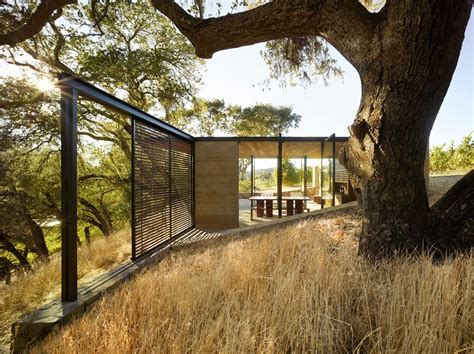 Minimalist Winetasting Pavilions Harmonize With Nature In