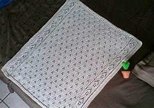 Petite Couverture Bébé : petite couverture b b tricot par maline pelotes ~ Teatrodelosmanantiales.com Idées de Décoration