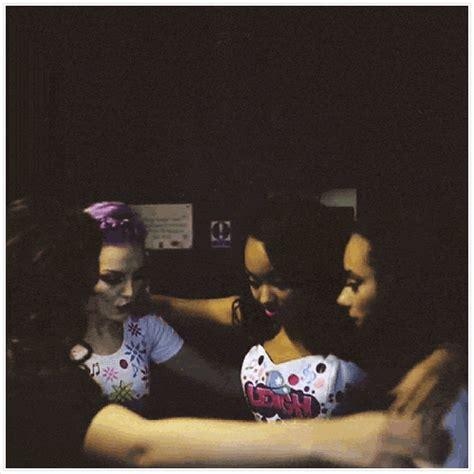 Little mixподлинная учетная запись @littlemix. little mix hug | Tumblr