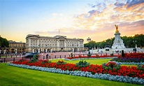 Americans vote Buckingham Palace top landmark to see in ...