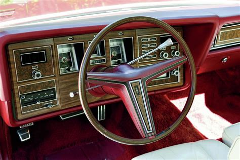 collectible classic   lincoln continental mark iv