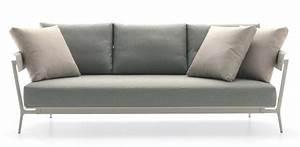 Kissen Für Sofa : sofa aus aluminium mit gepolsterten kissen f r den au enbereich idfdesign ~ Frokenaadalensverden.com Haus und Dekorationen