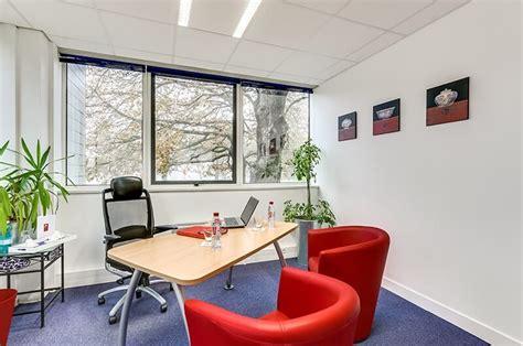 affaire de bureau salles de réunions séminaires formations showrooms à