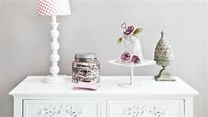 Soprammobili shabby chic: fiori e accessori di stile Dalani e ora Westwing
