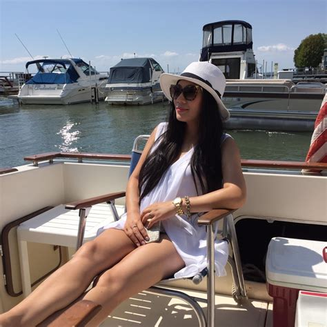 Boat Ride Wear by What To Wear On A Boat Ride Color And Grace