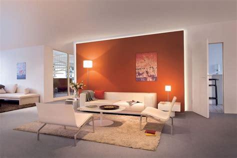 Farbige Akzente Fuer Decke Und Boden by Indirekte Wohnzimmerbeleuchtung Hinter Vorgesetzter Wand
