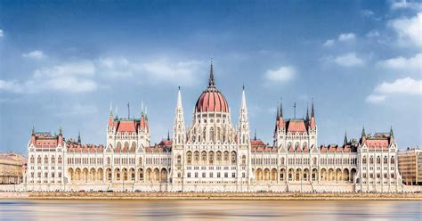 budapest parliament  minute guided  budapest