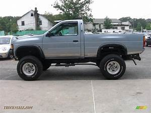 1990 Nissan Hardbody Truck Regular Cab 4x4 In Winter Blue