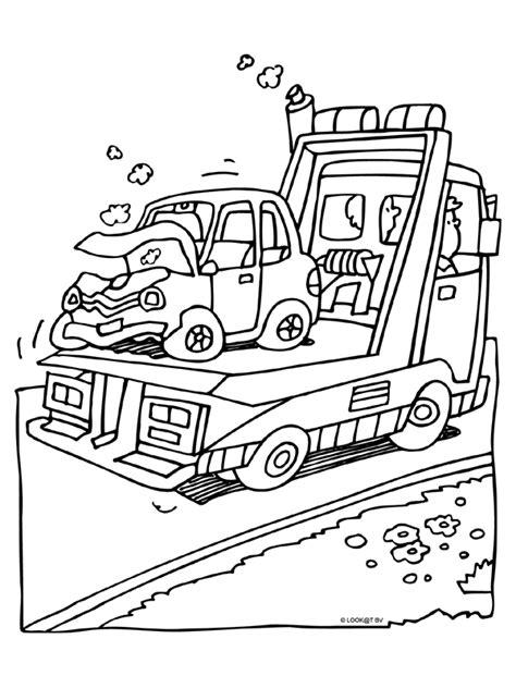 Kleurplaten Vrachtwagen Met Kraan by Kleurplaat Auto Met Schade Kleurplaten Nl