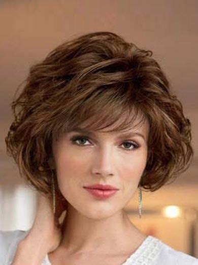 Layered Fine Hairstyle for Over 50 Women 6 Short