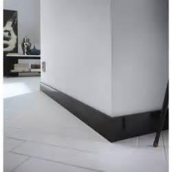Pose De Plinthe Carrelage Leroy Merlin by Plinthe M 233 Dium Mdf Droite Rev 234 Tu M 233 Lamin 233 Noir Brillant