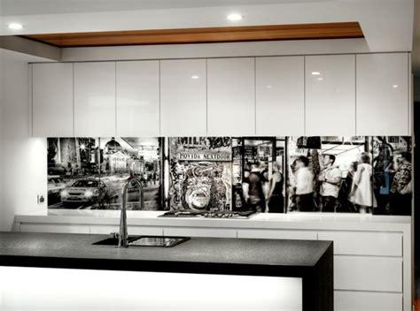 cuisine en verre blanc une crédence cuisine voyez les meilleurs idées archzine fr