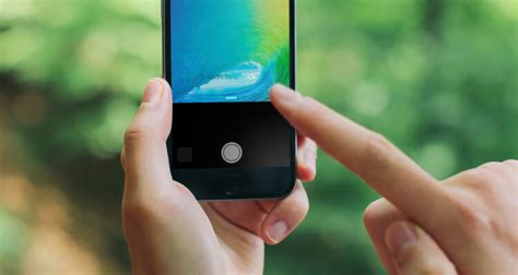 to turn on iphone flashlight how to turn iphone flashlight on iphone 6s iphone 7