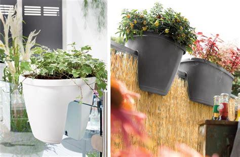 ringhiera fai da te vasi da ringhiera con riserva d acqua fai da te in giardino