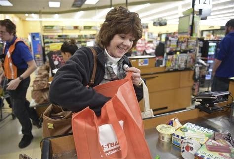 king soopers plans  launch  checkout technology  march