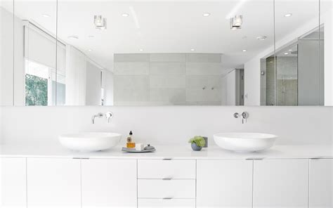 10 Bold Modern Bathrooms To Tempt Even The