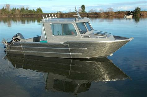 Small Metal Fishing Boats For Sale by 17 Best Images About Tin Boats On Bow Fishing