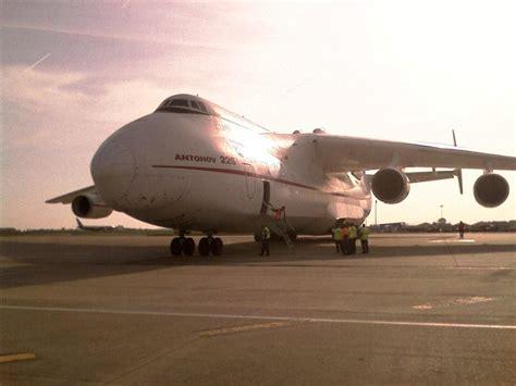 le plus gros avion du monde 224 roissy ce matin