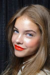 Orange Lips Makeup