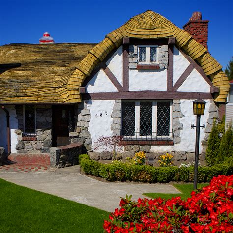 A Real Fairy Tale Cottage In Vancouver Bc Davonna Juroe