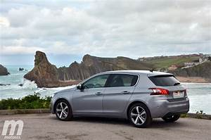 Peugeot España : ventas coches espa a octubre 2015 peugeot volkswagen y renault en un pu o ~ Farleysfitness.com Idées de Décoration