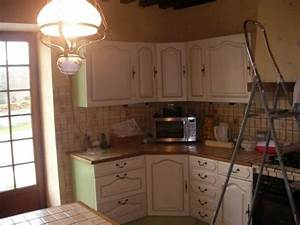 comment relooker une cuisine amenagee en chene resolu With quelle couleur pour un salon 2 griser une poutre vernis