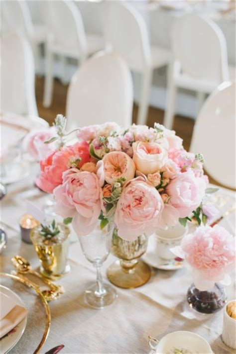 wedding wednesday pink flowers compotes flirty