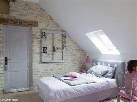 chambre sous combles aménager une chambre sous combles de style romantique