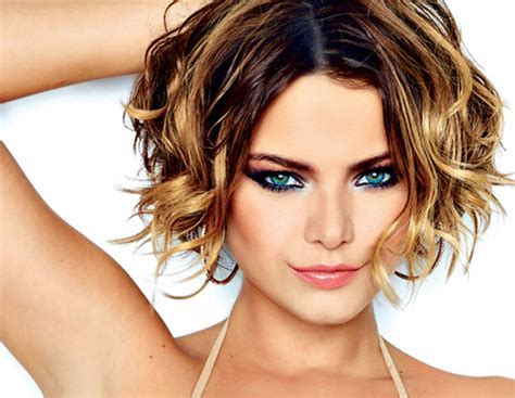 Popular Hair Style : The 20 Best Short Wavy Haircut