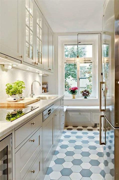 amenager une cuisine comment aménager une cuisine en longueur types avantages