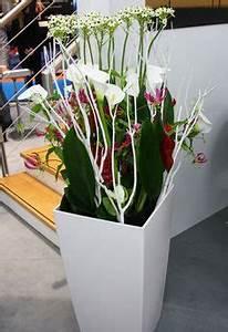 Künstliche Zweige Für Bodenvase : floral art h ngende deko mit orchidee und holz gearbeitet floristik aus hamburg orchideen ~ Orissabook.com Haus und Dekorationen