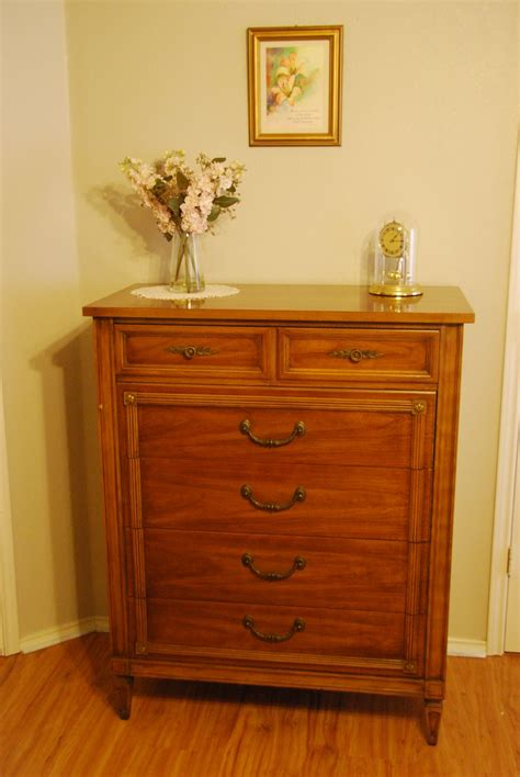 Antique Thomasville Bedroom Furniture Furniture For Sale 1967 Vintage Thomasville Bedroom Furniture