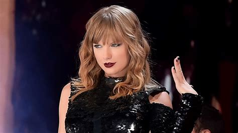 Taylor Swift Has the Perfect Quarantine Lyric Change to ...