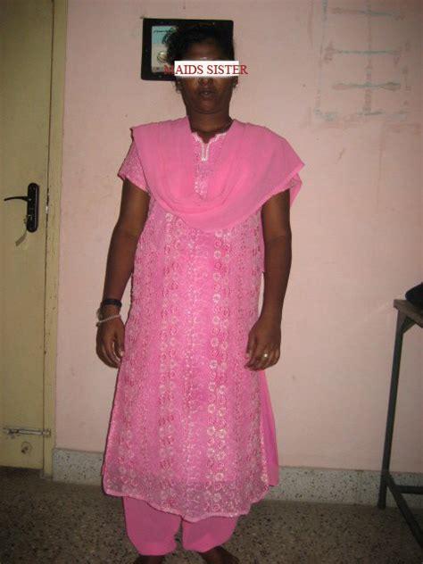 Fat Aunty Lifting Saree And Desi Aunty In Petticoat