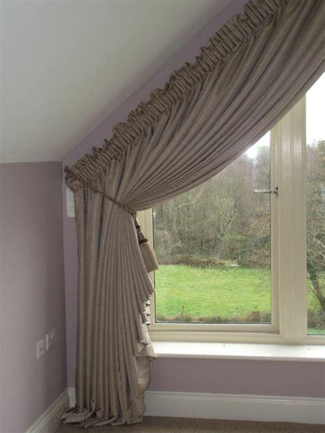 ideen fuer dachfenster gardinen und vorhaenge